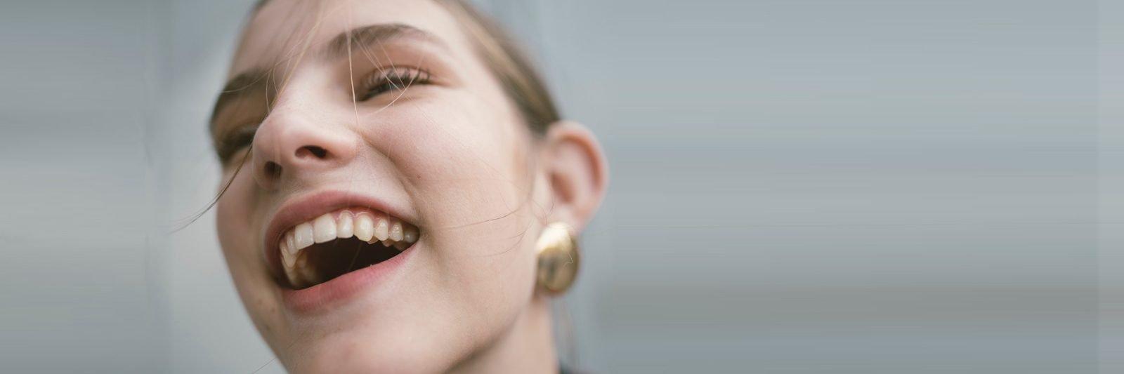 Tandproteser kan udformes til at ligne ægte tænder
