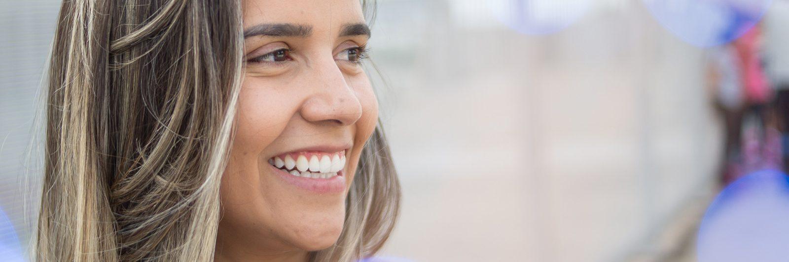 Der findes flere typer af tandproteser, og de kan tilpasses hver tandpatient